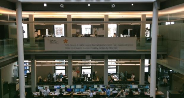 WuI'ler der Klassen 8 und 9 erkunden die Stuttgarter Börse...