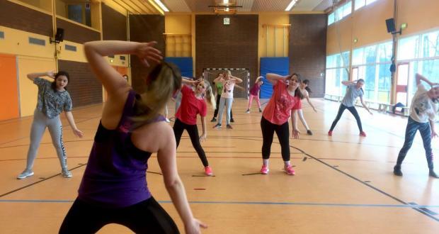 Tanzen zu fetzigen Beats...